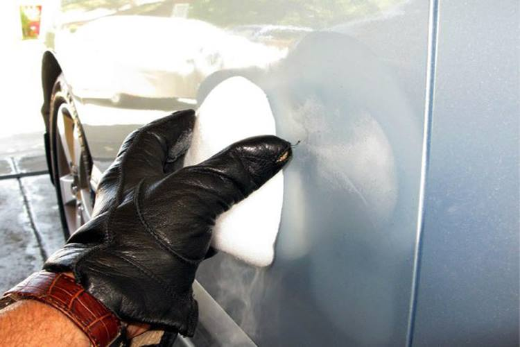 Sửa móp méo xe hơi bằng đá khô