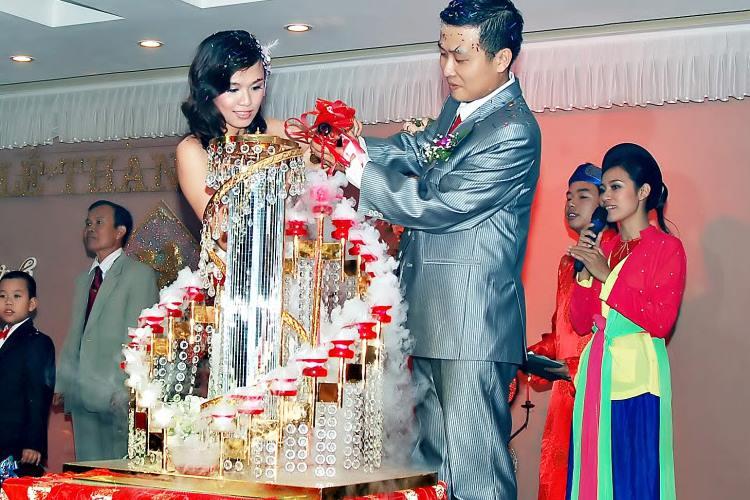 Đá khói đám cưới